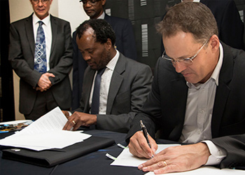 DRDGOLD, Wits School of Chemical and Metallurgical Engineering forge new partnership to improve gold recovery