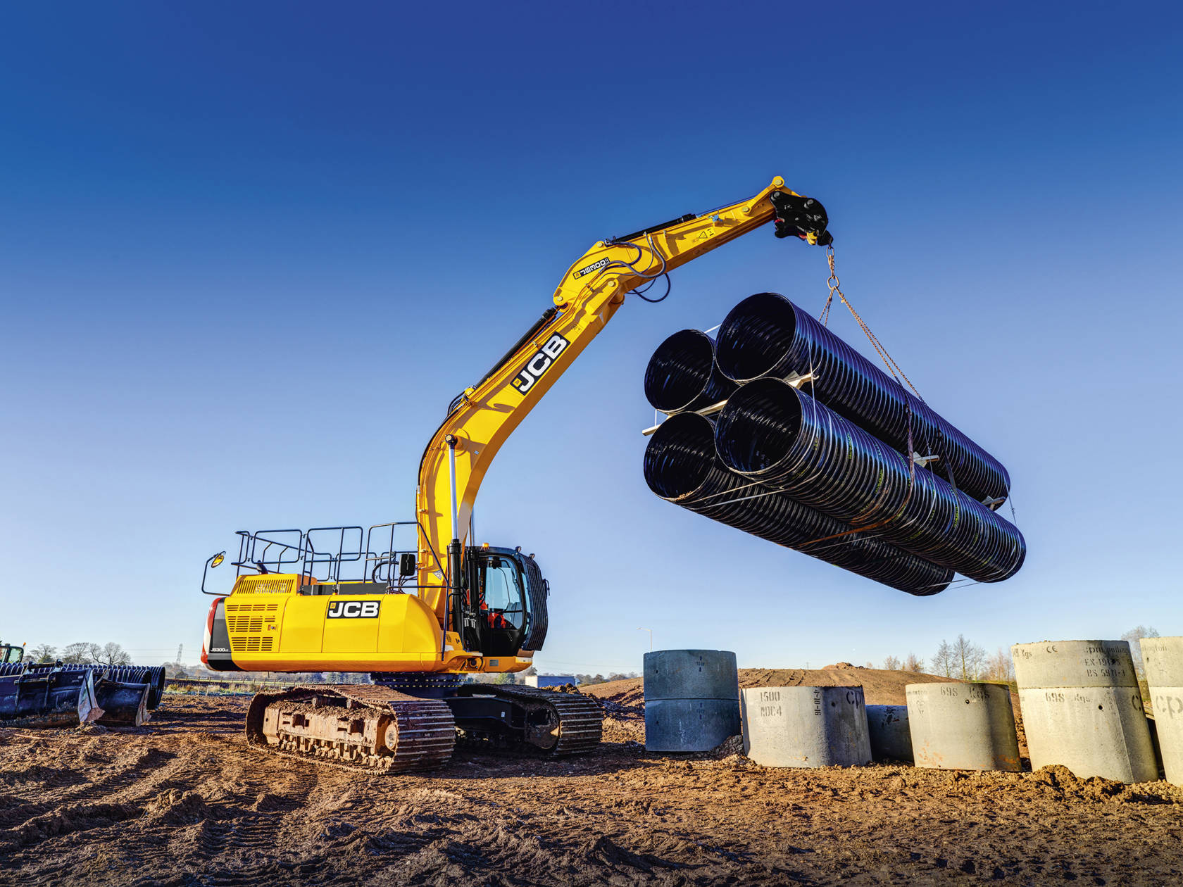 rolls royce moves into excavator market with mtu engines for jcb