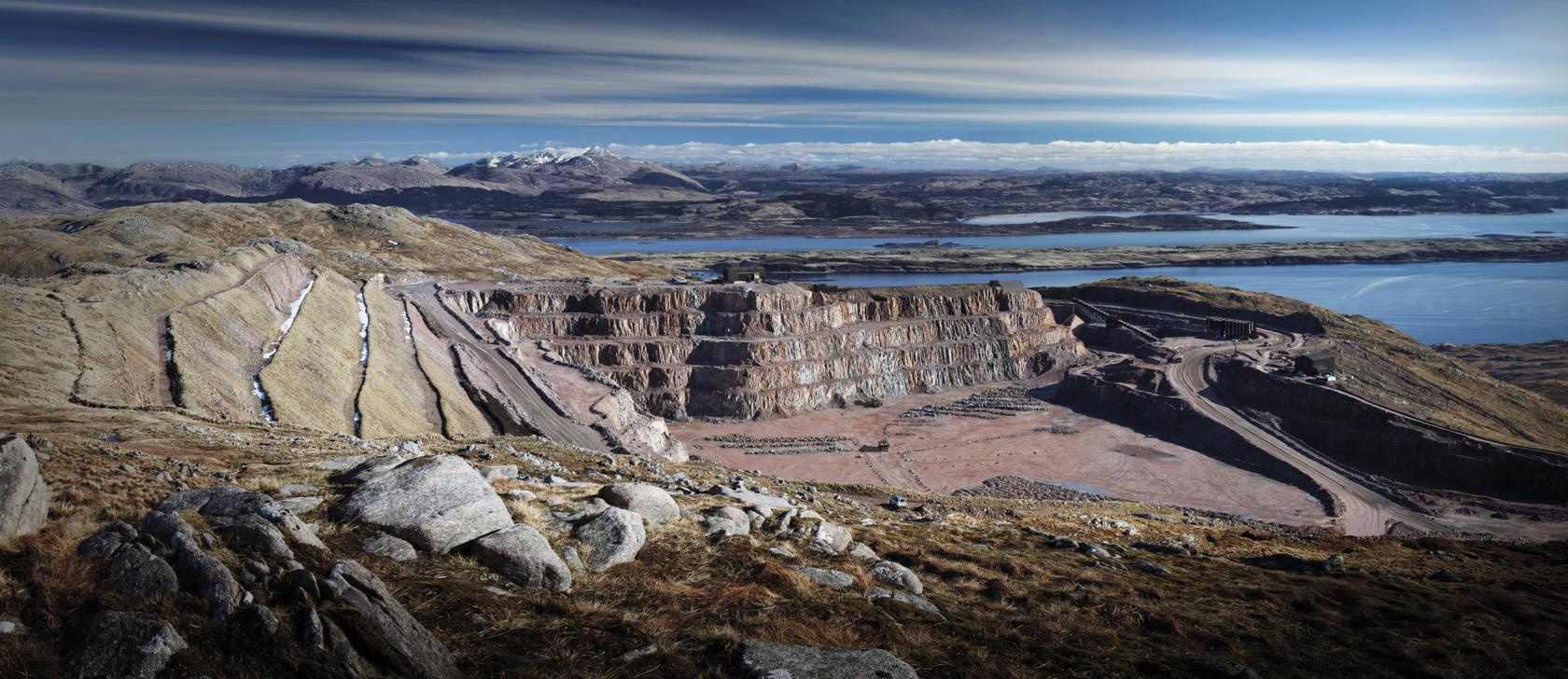super quarry glensanda marks 30 years of shipping - tradelink