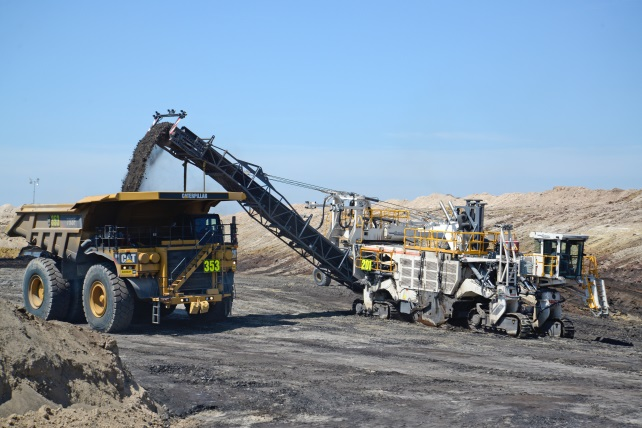 Cutting, crushing and loading in a single pass. The Wirtgen surface miner makes coal mining simple, economical, eco-friendly and safe.
