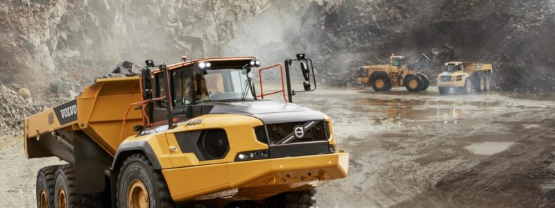 Allison Automatics are also available in super heavy trucks such as the Volvo A60H articulated truck and the new R100E rigid truck. The Allison 6000 Series™ — equipped A60H, which is already marketed in Brazil, has a cargo capacity of 55 metric tonnes. The R100E, which has a capacity of 100 tonnes, uses the Allison 8000 Series™.